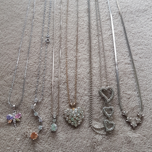 Proceeds* 2 go 2 charity! Necklaces (6 items)